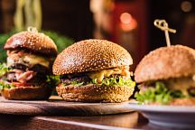 Названы победители конкурса Phuket's Best Burger 2018