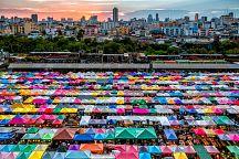 Ночной рынок Чатучак в Бангкоке прекратил свое существование