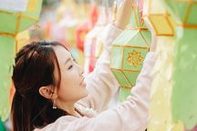 Фестиваль фонарей в Накхончаване