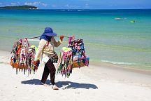 Пляжных торговцев Паттайи обучили азам первой помощи