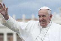 В Бангкоке для Папы Римского готовят эксклюзивные шелковые ризы с ручной вышивкой