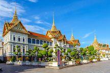 Иностранцы съезжаются в Таиланд, чтобы почтить память Короля