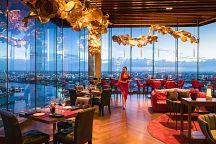 Attitude Restaurant & Bar: фирменный коктейль с видом на реку Чаопрайя
