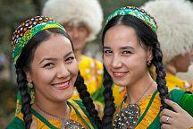 Поздравляем вас с Днем возрождения, единства и поэзии Махтумкули Фраги!