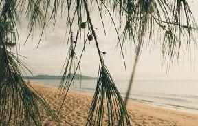 Пляжи Пхукета. Май Кхао